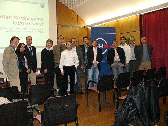 Georg Spatt (ö3), Monika Eigensperger (FM4), Michael Friedrich (Radio Niederösterreich), Ilse Krotmayer (Arabella), Rüdiger Landgraf (KRONEHIT), Christian Schalt (KRONEHIT), Dr. Reinhard Christl (FHWien), Ulrich Köring (RADIOSZENE), Stephan Halfpap (Radio Wien), Ricky McKenna (88.6), Roland Streinz (ENERGY), Christian Böck (Lektor), Werner Reichel (HIT FM). (v.l.n.r.)