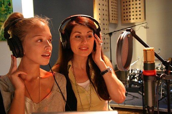 Die beiden Sängerinnen Vera Böhnisch und Monika Ballwein
