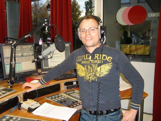 Sven Stevens im Studio von Donau3FM
