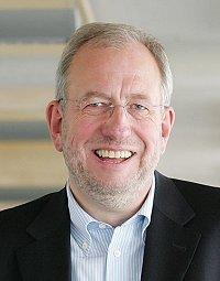 Hans-Dieter Hillmoth