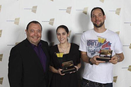 Remy Fabrikant, CEO JWT+H+F Corinne Wacker , Moderatorin Radio 105 Grischa Rubinik, Creative Director JWT+H+F haben den Preis entgegen genommen.