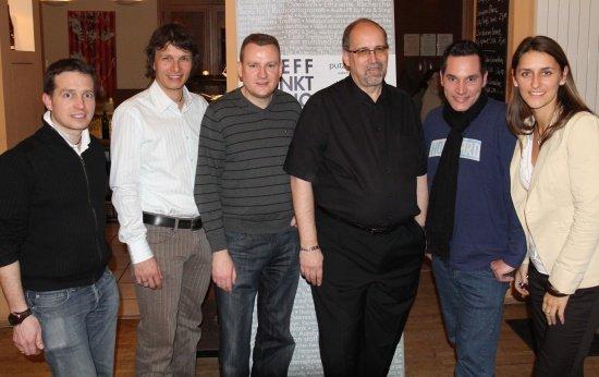 Harald Sorger (Putz&Stingl), Claudio Schütz (ORF Niederösterreich), Thomas Wollert (Kronehit), Ernst Swoboda (Kronehit), Florian-Alexander Gilly (DJidefix.at) und Martina Ressmann (APA-OTS)