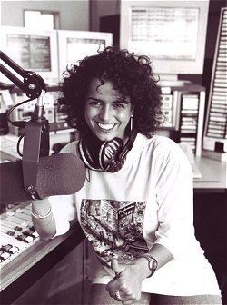 Yvonne Malak im Studio von 104.6 RTL Berlin (1996)