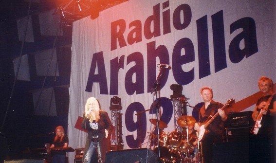 Stargast Bonnie Tyler bei der Radio Arabella Oldieparty 2006 (Bild: Hendrik Leuker)
