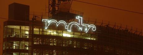 MDR bei Nacht (Bild: Bernd Reiher)
