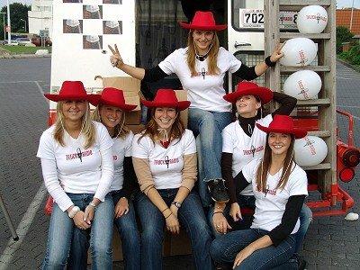 TruckRadio Promotion-Girls bei der großen Autohof-Tour