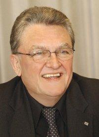 Dr. Gerd Bauer (Hörfunkbeauftragten der DLM)