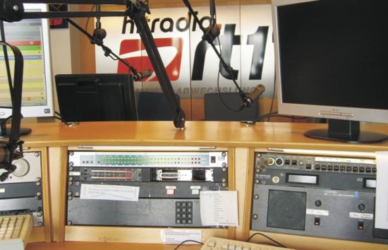 Blick ins Studio von hitradio.rt1