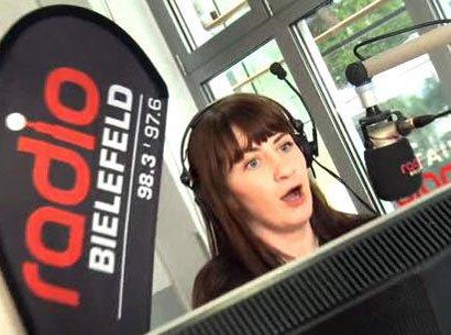 Roxane Brockschnieder moderiert im Wechsel mit Timo Fratz die Morgenshow bei Radio Bielefeld.