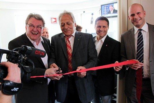 LMS-Direktor Dr. Gerd Bauer, Oberbürgermeister Karlheinz Schöner, Stephan Schwenk, Florian Schuck