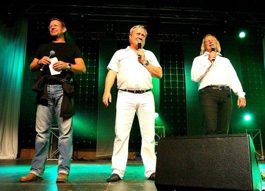 """Michi Lein, Michael Becker und Sigi Hoga von der Radio F-Frühsendung """"Guten Morgen Franken"""" moderierten die Jubiläumsgala"""