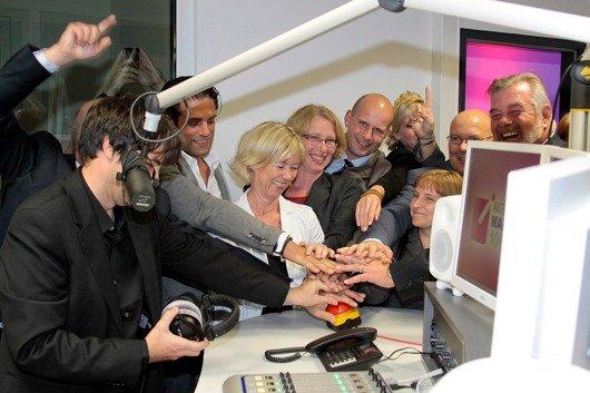 Gerangel um den roten Knopf zum Start von Antenne Mainz