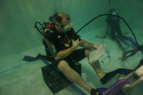 Unterwasser-Radioshow-Weltrekord (Bild: Wave 105.2)