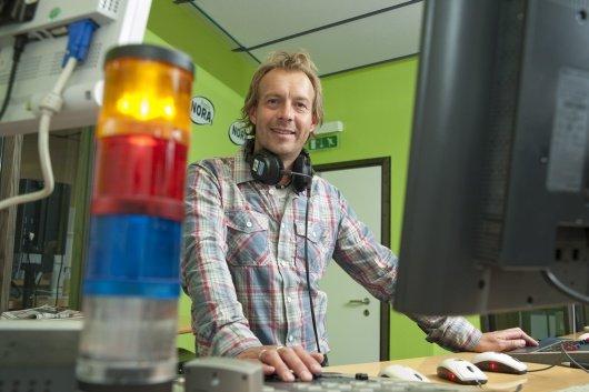 Andreas Schmidt darf endlich auch mal Scooter spielen (Bild: Radio NORA)
