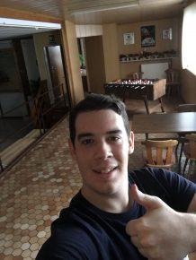 """Marco Wahn (23), Koch aus Birstein (Main-Kinzig-Kreis) hat bei der HIT RADIO FFH-Aktion """"Wünsch Dir was, dann kriegste das"""" einen Profi-Billardtisch gewonnen"""