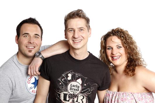 """KingGongShow: Das Team der neuen """"King Gong Show"""": Martin Siegordner, Guido Seibelt und Giovanna Lecce (v.l.n.r.) Foto: Steffen Riese"""