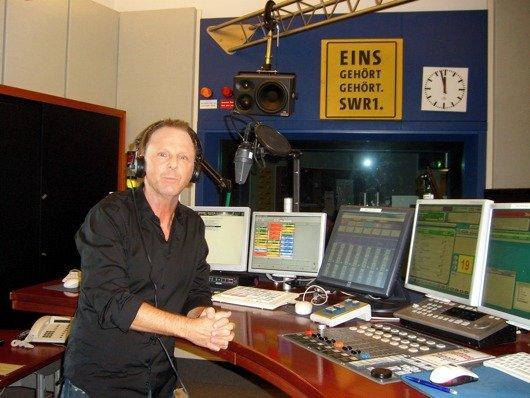 Michael Ries im Studio von SWR1 BW (Bild: Hendrik Leuker)