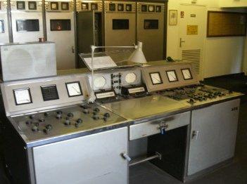 Der historische RIAS-Kurzwellensender von 1951 in Britz.