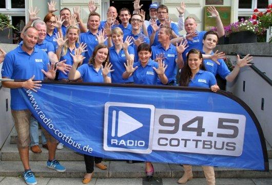 Teamfoto 10 Jahre Radio Cottbus mit neuem Logo vom 1.8.2012