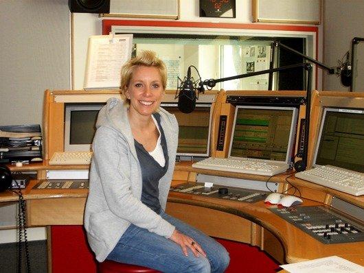 Moderatorin Britta von Lucke (Bild: Hendrik Leuker)