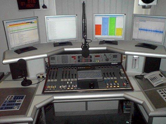 Blick ins Sendestudio von Pur Radio 1 (Bild: Pur Radio 1)