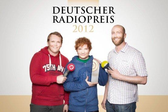 Ed Sheeran im Interview mit Alexander Schumacher (Radio Hamburg) und Jan Kuhlmann (N-JOY) (Bild: NDR/David Paprocki)