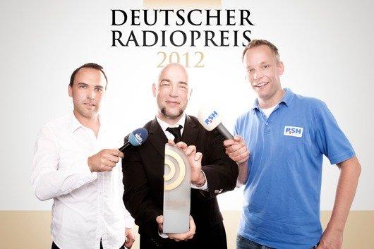 Der Graf von Unheilig wird bei der Radiopreis-Gala als Laudator auftreten - hier im Interview mit Sebastian Parzanny (NDR, li.) und Nils Söhrens (R.SH). (Bild: NDR/David Paprocki)
