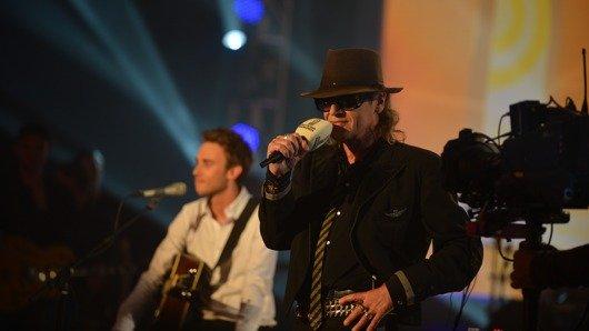 Udo Lindenberg und Clueso live beim Deutschen Radiopreis 2012 (Bild: Bild: NDR/Marco Maas)