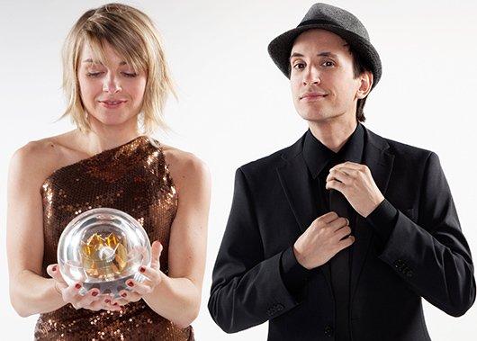 1LIVE KRONE 2012: Moderatorin Sabine Heinrich und Chris Guse (Bild: WDR/Annika Fußwinkel)