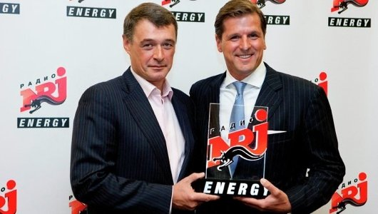 Yuri Kostin, Präsident des russischen NRJ-Kooperationspartners PMBC (* = Professional Media Broadcasting Company) und Olaf Hopp,  CEO International Operations der NRJ Group beim Launch von ENERGY St.Petersburg