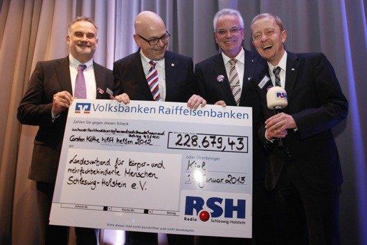 Axel Hose (R.SH), Torsten Albig (Ministerpräsident SH), Matthias Lau (Vorstand VR-Bank Neumünster), Carsten Köthe (R.SH-Moderator)