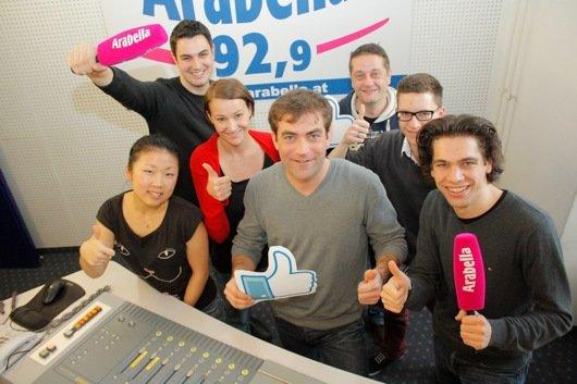 Radio Arabella-Nachmittags Team, in der Mitte Programmchef Mag. Ralph Waldhauser (Bild: © Radio Arabella GmbH)
