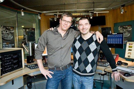 Die Radiodauerfrühschicht: Zum 20. Dienstjubiläum sind Stefan Rupp & Christoph Azone (Bild: rbb/Thomas Ernst)