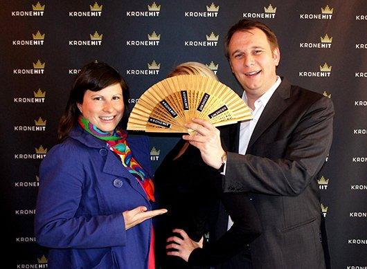 Dani Linzer, die heiratswillige Vanessa und Meinrad Knapp (Bild: KRONEHIT)