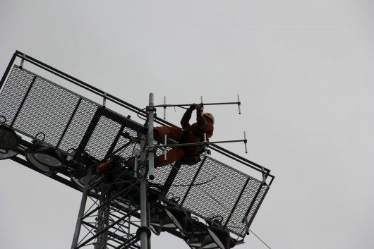 Installation der Sendeantenne von Radio 700