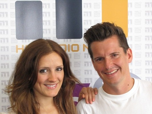 Hit Radio N1-Chef Flo Kerschner weckt täglich zusammen mit Morgenmoderatorin Anna Noé so viele Hörer wie noch nie in der Geschichte seines Senders