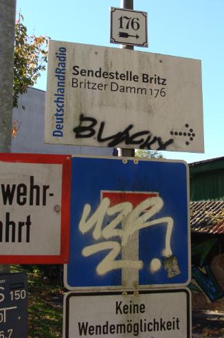 Hinweisschild DRadio-Sender Britz Berlin