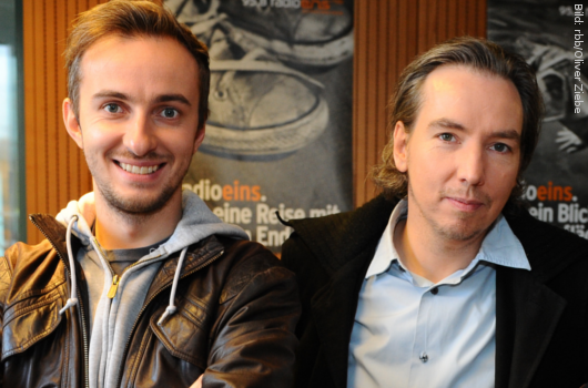Jan Böhmermann und Olli Schulz (Bild: rbb/Oliver Ziebe)