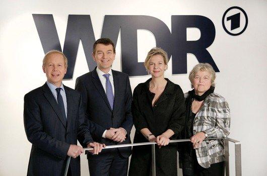 WDR-Intendant Tom Buhrow, Jörg Schönenborn, Valerie Weber und die Rundfunkratsvorsitzende Ruth Hieronymi (© WDR/Herby Sachs)