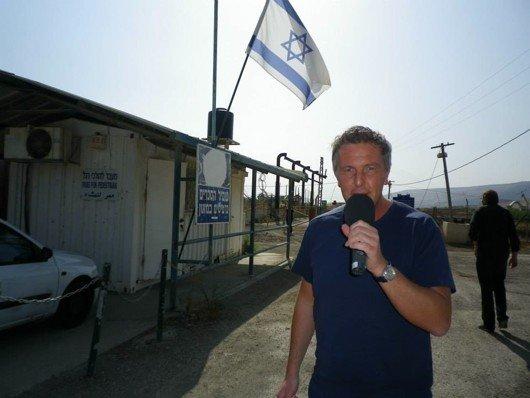 Alexander Tauscher an der israelisch jordanischen Grenze