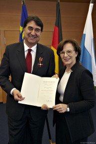 Verleihung des Bundesverdienstorden an Peter Valentino