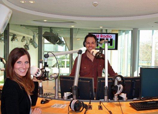 Daniel Fischer und Julia Nestle im neuen FFH-Sendestudio