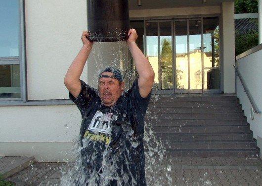 ffn Ice Bucket Challenge Franky