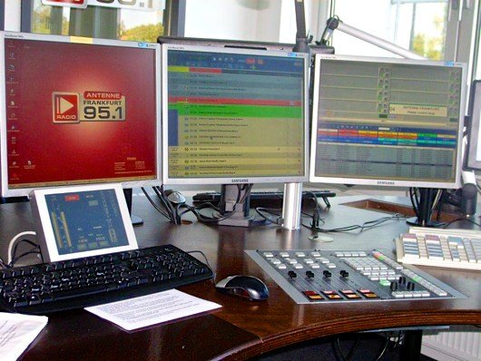 Mischpult im Studio von Antenne Frankfurt 95.1 (Bild: Hendrik Leuker)