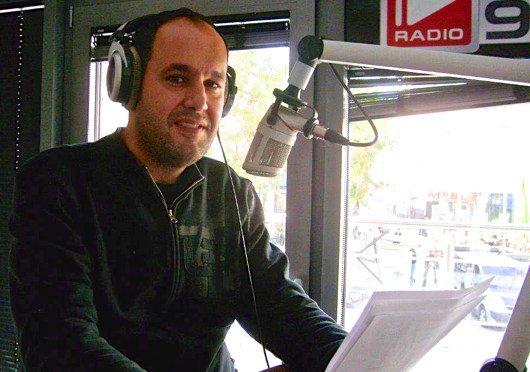 Nachrichtensprecher Nektarios Bamiatzis (Bild: Hendrik Leuker)