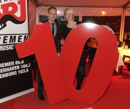 Frank Schmid (Geschäftsführer Mediengruppe Kreiszeitung) mit Tina Boterham (ENERGY Bremen)