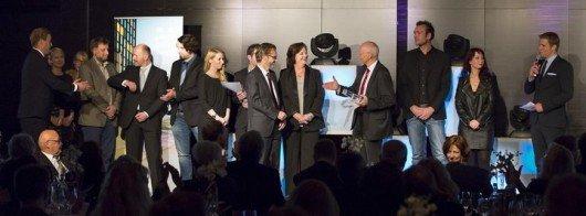"""Der Sonderpreis der LfM ging in diesem Jahr an die Redaktionen von Radio RST und Antenne Münster für ihre """"Berichterstattung zum Jahrhundert-Unwetter"""" 2014. (Bild: LfM)"""