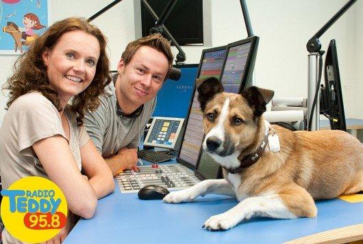Radio-TEDDY Morgenshow mit Bettin, Tobi und Senderhund Paulchen (Bild: Radio TEDDY 95.8)