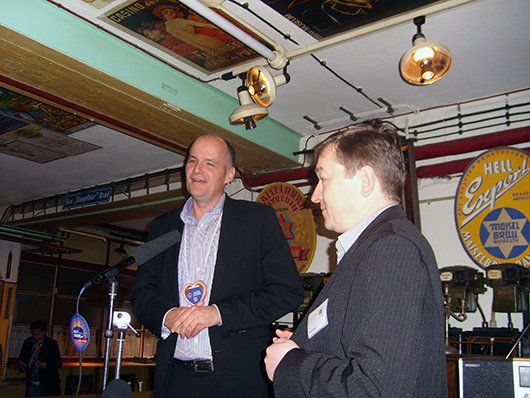 BLM-Vertreter Peter Hofmann und Geschäftsführer Peter Maisel (Bild: Hendrik Leuker)