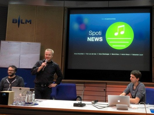 Präsentation von SpotiNews beim radio.hack 2105 (Bild: Ulrich Köring)